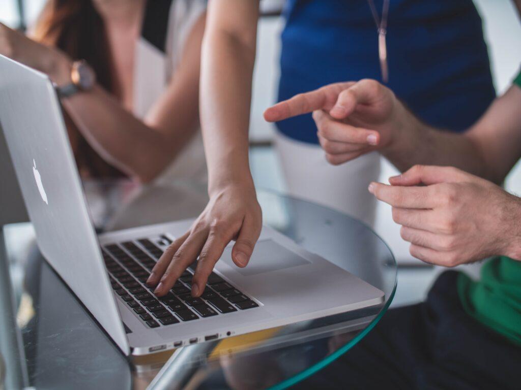 Interazione Interaktion Online Meetings Videokonferenz Trainings